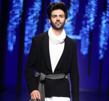 Kartik Aaryan Gets His First 100 Crore Movie, A Bollywood Outsider Who Is Born To Rule