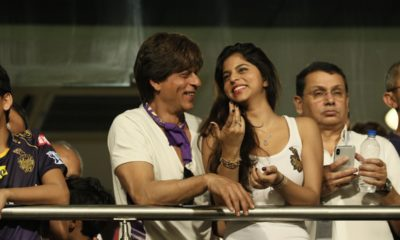 Shahrukh Khan Had A Gala Time Supporting KKR In Their First IPL Match, See Pictures