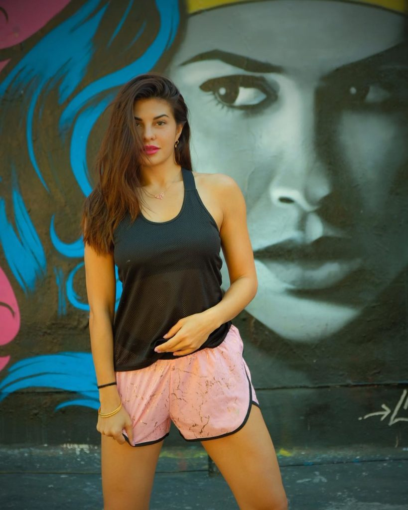 Jacqueline Fernandez Lights Up Our Morning With Her Latest Photoshoot In LA (1)