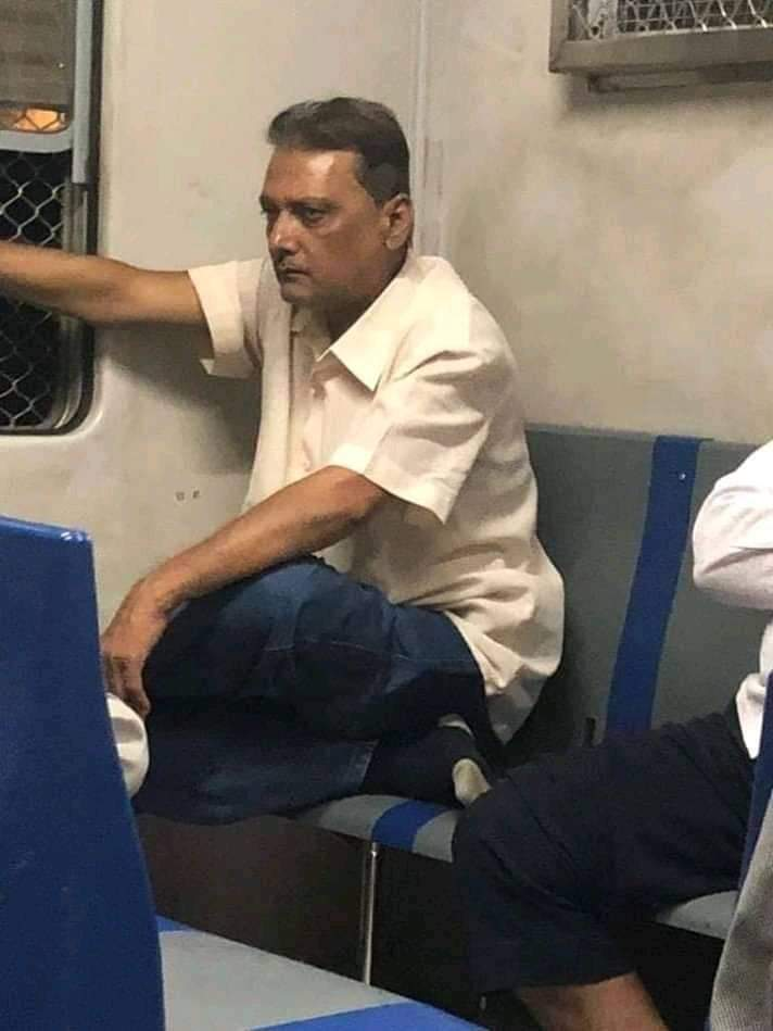 Fans On Twitter Go Mad As They Found Ravi Shastri Lookalike In Mumbai Local Train.