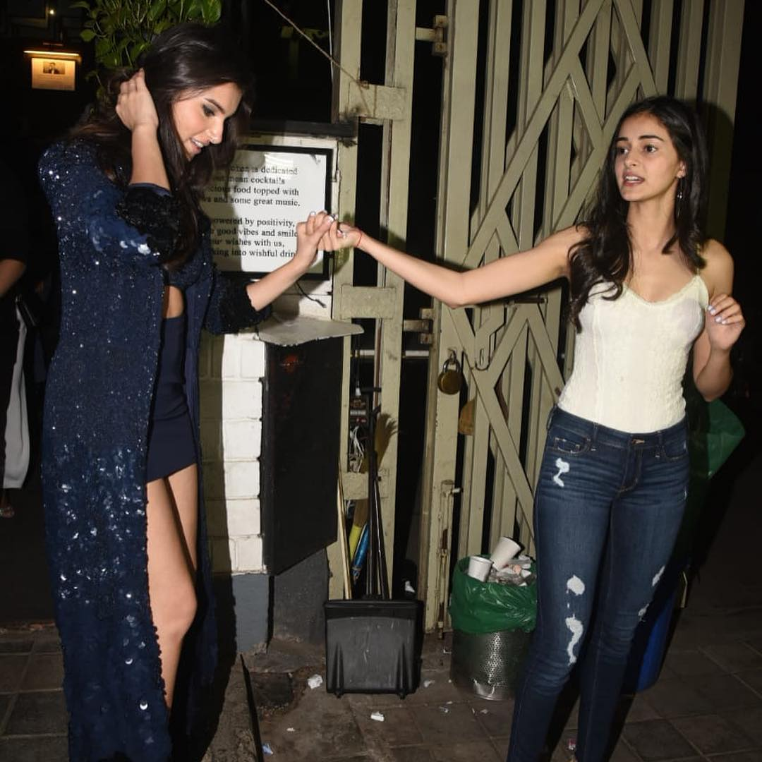 Pictures SOTY 2 Star Tara Sutaria Rings In Her 23rd Birthday With Ananya Pandey, Tiger Shroff & Punit Malhotra (3)