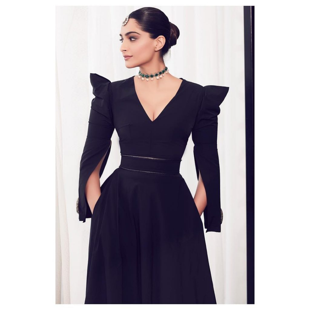 Sonam Kapoor Looks Incredibly Gorgeous In A Marmar Halim Gown In Doha (3)